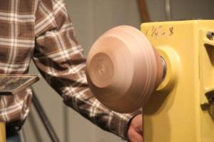 Vacuum chucking - finishing the bottom of the bowl